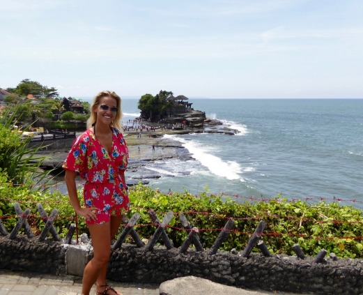 Gorgeous sites behind me (Tanah Lot)