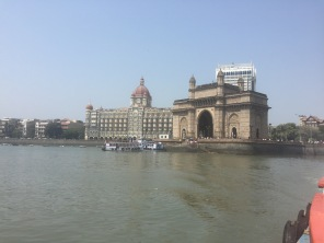 Sailing away from the Gateway of India