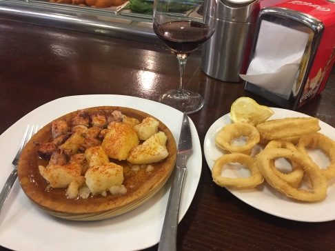 Tapas and 2 euro wine!