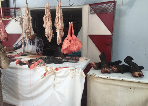 Yummy meat being sold in front of your eyes!